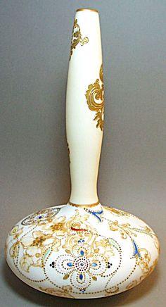 Mt Washington Crown  Milano Vase