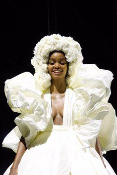 Big Fashion, Fashion Photo, Runway Fashion, Floral Headdress, Valentino Couture, Hedi Slimane, Italian Fashion Designers, Best Wedding Dresses, Bridal Looks