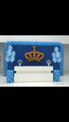 Cenario Balões Royal Baby Shower Theme, Royal Baby Showers, Boy Baby Shower Themes, Baby Shower Balloons, Prince Birthday Theme, Baby Boy 1st Birthday Party, Mickey Birthday, Balloon Decorations, Birthday Party Decorations