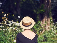 #thegoodlist | backyard pesto boater hats. the rally cry from girlfriends while your husband battles pneumonia.