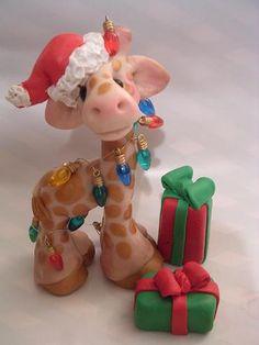 Christmas giraffe by claykeepsakes, via Flickr