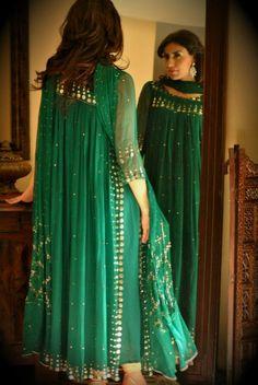 Dress green Dress Green Dark Outfit 18 New Ideas Dress Green Dark Outfit 18 New Ideas Pakistani Wedding Outfits, Pakistani Dresses, Indian Dresses, Indian Outfits, Designer Party Wear Dresses, Indian Designer Outfits, Party Dresses, Bridal Dresses, Wedding Dress
