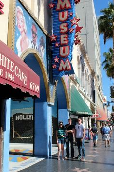 No trip to LA would be complete without visiting some of the tourist attractions along Hollywood Blvd. Our first stop was to the Hollywood Wax Museum. #waxfan