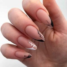 New stylish nail art ideas every day Edgy Nails, Chic Nails, Oval Nails, Classy Nails, Stylish Nails, Chic Nail Art, Long Round Nails, Nail Drawing, Romantic Nails