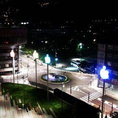 Andorra de nit. Conjunt escultóric dels 7 poetes. #Andorra #Art . Juny 2014.