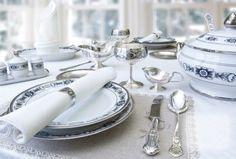 A szomszédom ezresével veszi a keményítőt. Mikor megtudtam, hogy mire is használja, én elkülönítettem egy polcot a keményítőnek! - Bidista.com - A TippLista! Useful Life Hacks, Table Settings, Cleaning, Table Decorations, Silver, Furniture, Russia, Jewellery, History