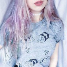 Image via We Heart It #aesthetics #clothes #dyedhair #fashion #grunge #hair #lips #pale #palegirl #pinkhair #purplehair #shirt #style #greyshirt