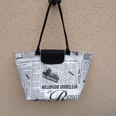 Patron sac : Grand Sac ultra facile qui sert à tout - Zip Zip, Diy Bags Purses, Patchwork Patterns, Simple Bags, Easy Bag, Couture Sewing, Fabric Bags, Longchamp, Bag Accessories