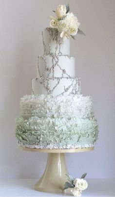 nice 62 Amazing Winter Wedding Cakes You Will Totally Love  https://viscawedding.com/2017/10/12/62-amazing-winter-wedding-cakes-will-totally-love/