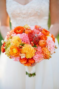 Crushing on these gorgeous colors! via @O N the Go Bride