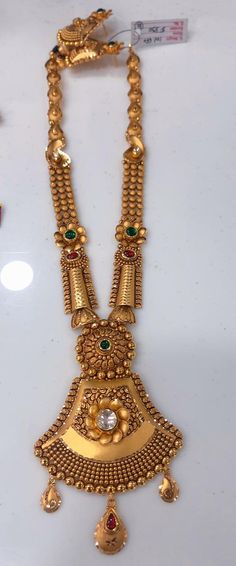 New Gold Jewellery Designs, Gold Temple Jewellery, Gold Mangalsutra Designs, Gold Ring Designs, Gold Bangles Design, Jewelry Trends, Jewelry Design, Antique Necklace, Gold Necklace