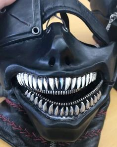 "1,603 mentions J'aime, 18 commentaires - CHRISTIAN DADA (@christiandada) sur Instagram : ""#東京喰種 #TokyoGhoul Mask  I designed for movie. 取材で久々にマスクと。動かすとこうなってます。"""