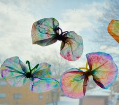 Totally cute #DIY Tie Dye #butterflies - great, easy, #budget friendly craft to do with your toddler!