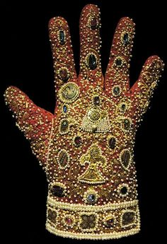 lacalaveracatrina: Glove from the Imperial Regalia of The Holy Roman Emperors in Vienna, Austria. Made in Palermo c. 1220. Velvet with gold embroidery, pearls, and precious stones.
