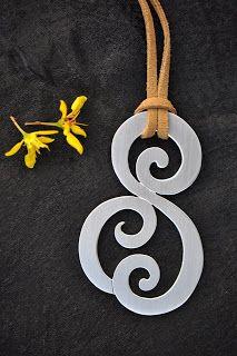Patricia Degan: jóias em prata e cerâmica