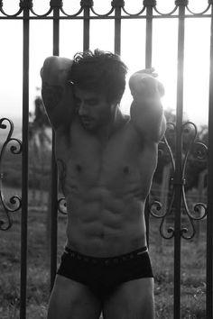 Renan Oliveira fez ensaio sensual antes de entrar no BBB 16. Veja as fotos! | ParouTudo