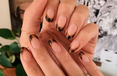 Have you discovered your nails lack of some modern nail art? Yes, lately, many girls personalize their nails with lovely … Minimalist Nails, Stylish Nails, Trendy Nails, Cow Nails, Nagellack Trends, Modern Nails, Dream Nails, Nagel Gel, Perfect Nails