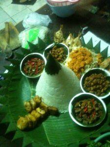 Catering tumpeng 085692092435: Pesan Nasi Tumpeng Di Pondok Kelapa Jakarta Timur