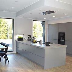 built in appliance wall Arden Homes, Kitchen Diner Extension, Kitchen Storage, Home Kitchens, Kitchen Remodel, Kitchen Dining, Modern Design, New Homes, Finland