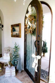 Deck the Halls Christmas Home Tour - Elegant Entryway Front Door Christmas Decorations, Christmas Front Doors, Christmas Mantels, Front Door Decor, Arched Front Door, Christmas Store, Christmas 2016, Christmas Holiday, Christmas Ideas
