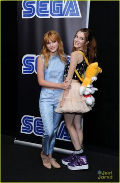 bella thorne sega event nyc 14