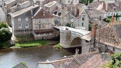 Montmorillon route des abbayes et monuments du haut poitou guide du tourisme de la vienne