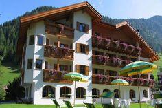 Herzlich Willkommen im Hotel Jagdhof in Wolkenstein in Gröden direkt an der Sellarunde - Welt grösstes Ski Karussell!