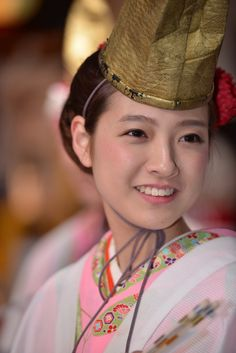 Fukumusume - Happiness girl, Imamiya Ebisu Shrine, Osaka, Japan  宝恵駕籠行列の福娘