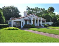 Gorgeous homes for sale, waterfront properties, beach homes, luxury condos, investment real estate in Sarasota, Florida, and beyond. www.TrueSarasota.com
