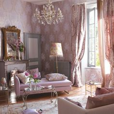 Designers Guild create inspirational home décor collections and interior furnishings including fabrics, wallpaper, upholstery, homeware & accessories. Style At Home, My Living Room, Living Spaces, Cottage Shabby Chic, Designers Guild, My New Room, Vintage Home Decor, Shabby Vintage, Home Projects