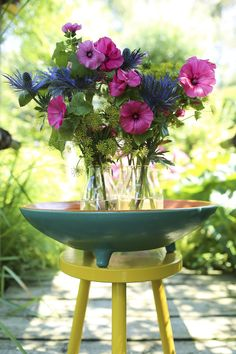 Een fleurig boeket met Dille, Distel en Lavatera