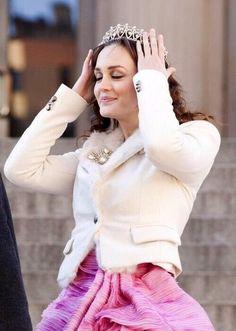 Leighton Meester as Blair Waldorf Gossip Girl Blair, Gossip Girls, Mode Gossip Girl, Estilo Gossip Girl, Gossip Girl Outfits, Gossip Girl Fashion, Blair Waldorf Stil, Estilo Blair Waldorf, Ellie Saab