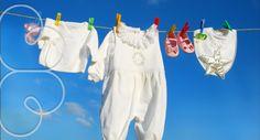 Mais um momento de paciência e carinho, a lavagem das roupinhas do seu bebê deve ser feita com cuidado.