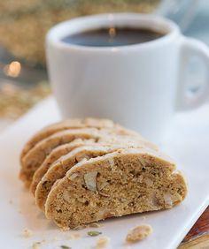 ביסקוטי אגוזי לוז, קפה ותבלינים
