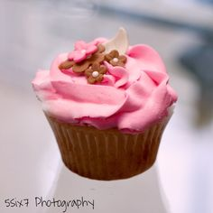 Cupcake for baby shower.