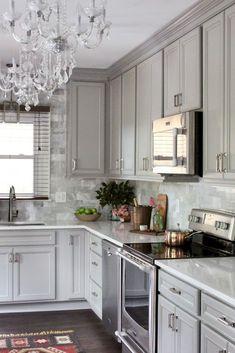 17 Incredible Farmhouse Gray Kitchen Cabinet Design Ideas