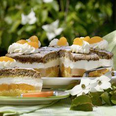 """""""Diese Torte mögen auch meine Kinder gerne"""", nennt Maria Becker ein Argument, warum die Mandarinentorte zu ihren liebsten Tortenrezepten gehört. Das..."""