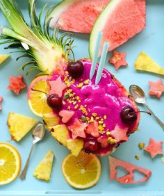 The Fruit Boat Trend Is Taking Smoothie Bowls to a Whole New Level | Shape Magazine  Pitaya Watermelon Smoothie Bowl