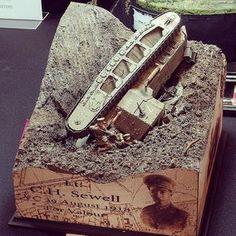 Fantastic!!! Lt. C.H. Sewell diorama. Unknown modeler #scalemodel #plastimodelismo #miniatura #miniature #maqueta #maquette #diorama #hobby #plastickits #plasticmodel #plamodel #usinadoskits #udk #modelismo #modelism #modelisme