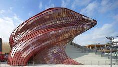 Un meraviglioso drago, acciambellato nel cuore di Expo. Le scaglie? Le abbiamo costruite noi! http://www.casalgrandepadana.it/index.cfm/1,868,2941,0,html/PRESENTATO-AD-EXPO-2015-MILANO-IL-PADIGLIONE-VANKE?utm_content=buffer8cb6d&utm_medium=social&utm_source=pinterest.com&utm_campaign=buffer