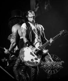 Slash & Richard Fortus Guns N Roses, Richard Fortus, Happy Room, The Duff, Heavy Metal, Guitars, Artists, Rock, Life