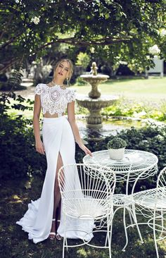 Absolutely gorgeous I would love this in black as a engagement outfit