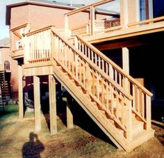 Best 14 Wonderful Deck Stairs With Landing Design Pictures 400 x 300