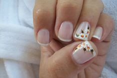 UNHAS DECORADAS COM FLOR - MARGARIDAS