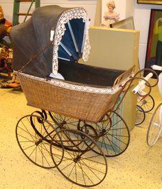 http://fr.academic.ru/pictures/frwiki/75/Kinderwagen%2C_historisch.jpg