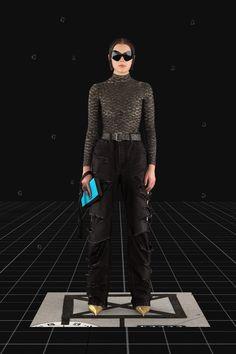 Balenciaga Fall 2021 Ready-to-Wear Fashion Show Collection: See the complete Balenciaga Fall 2021 Ready-to-Wear collection. Look 44 Fashion Week, Pop Fashion, Mens Fashion, Fashion Trends, Paris Fashion, Runway Fashion, Vogue Paris, Balenciaga Store, Fashion Show Collection