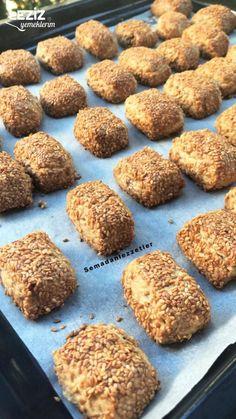 Sesame Cookies with Sesame Vegan yemek tarifleri Dog Food Recipes, Cookie Recipes, Dessert Recipes, Rice Recipes, Sesame Cookies, Tahini Recipe, Egyptian Food, Biscotti Recipe, Turkish Recipes