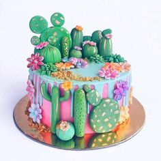 This would be like a perfect cake for me hahah Cactus cake Fancy Cakes, Cute Cakes, Pretty Cakes, Beautiful Cakes, Amazing Cakes, Cupcakes Succulents, Cake Cookies, Cupcake Cakes, Macaron Cake