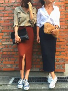 Idée et inspiration look d& tendance 2017 Image Description Only. Idée et inspiration look d& tendance 2017 Image Description Only thing I would change the shoes to flats instead of tennis shoes Trendy Dresses, Casual Dresses, Casual Outfits, Casual Shoes, Casual Friday Work Outfits, Flat Shoes Outfit, Casual Sneakers, Converse Outfits, Skirt And Sneakers