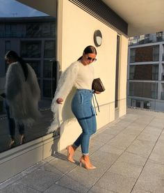 Trendy Winter Outfits To Help To Level Up Your Winter Style - Women's fashion 2020 Girly Outfits, Mode Outfits, Classy Outfits, Chic Outfits, Trendy Outfits, Fashion Outfits, Fashion Ideas, Fashion Mode, Fashion Killa